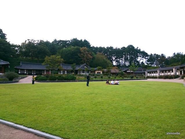 lawn at Gangneung Seongyojang
