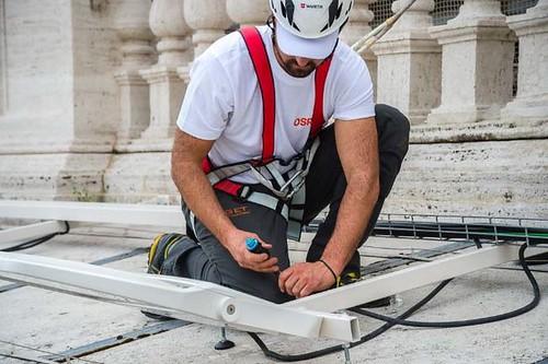 Il nuovo volto LED di Piazza San Pietro
