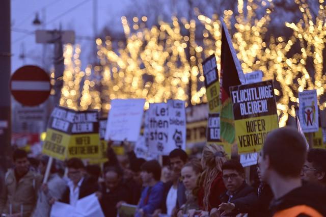 "Demonstration: #letthemstay ""Lasst Sie Bleiben!"" #Wien"