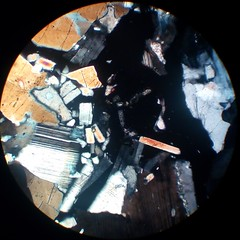 Garnet (30 µm thin section, parallel polarizers)