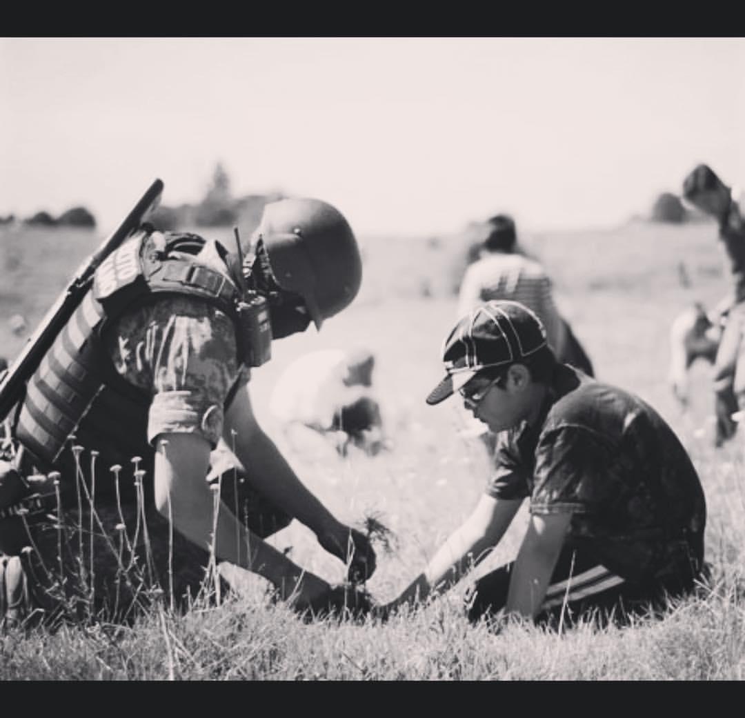 Niños expuestos a una realidad armada #foto #fotoperiodismo #perote #veracruz #ejercitomexicano #mexicanarmy
