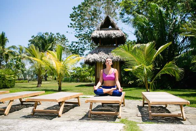 Five Guaranteed Ways of Becoming More Grounded Blue Osa Yoga Teacher Training Costa Rica Meditate