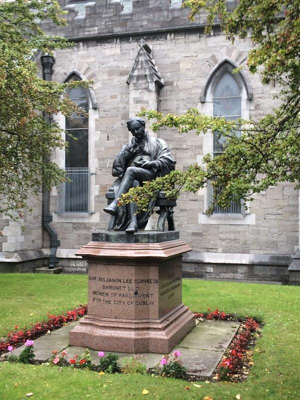 benjamin-guinness-statue