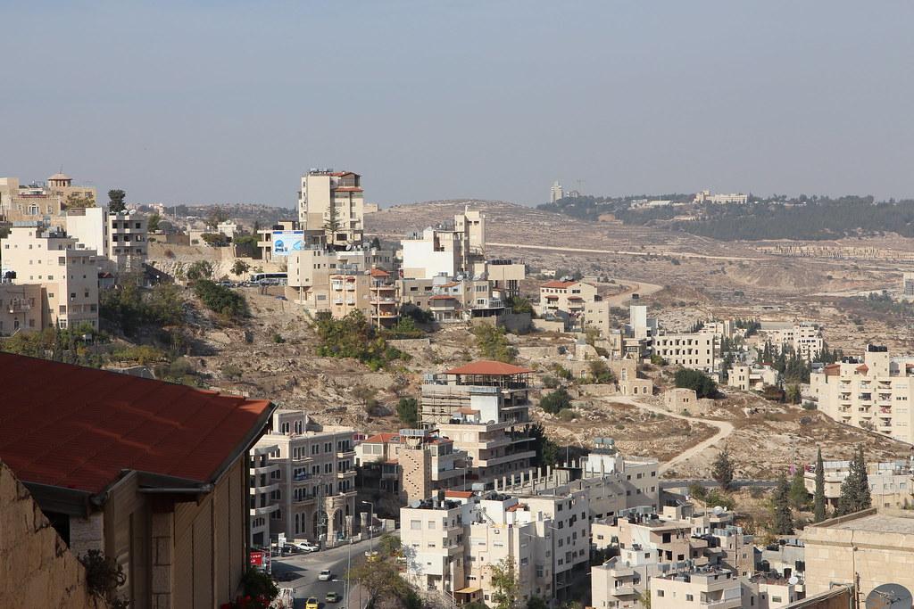 Betlehem on hyvin mitätön kylä ollakseen niinkin kuuluisa paikka. Ilman Jeesuksen syntymäkirkkoa ( Church of the Nativity ) tämä 30 000 asukkaan kaupunki olisi vajonnut muiden Länsirannan kaupunkien tasolle.