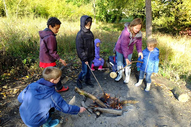 Home schooling group: Noakes Grove campfire