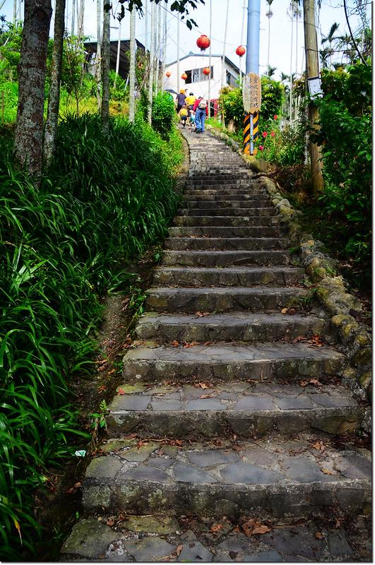 奉天岩石階步道