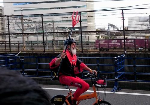 ディアブロおじさんは自転車