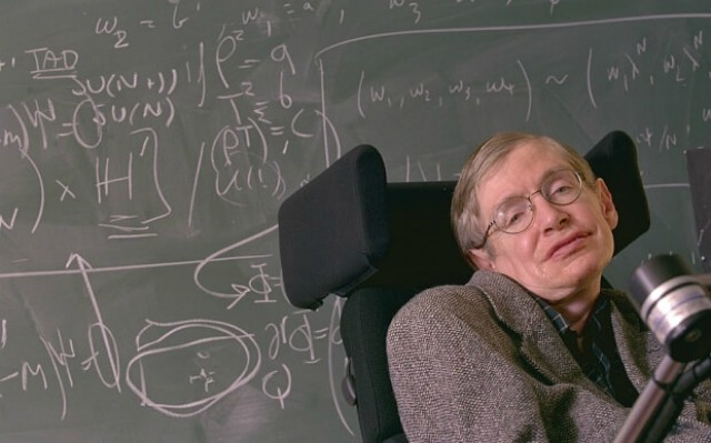 0001Stephen-Hawking-dando-clase
