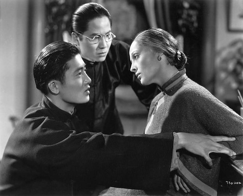Roland Lui, Keye Luke and Luise Rainer in THE GOOD EARTH