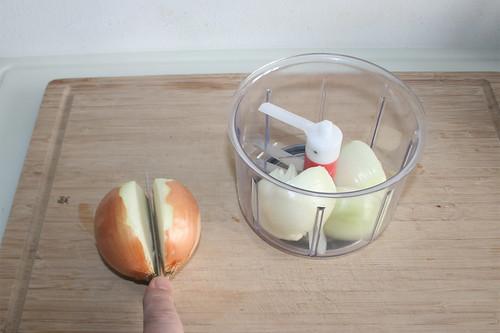 16 - Zwiebel vorbereiten / Prepare onions