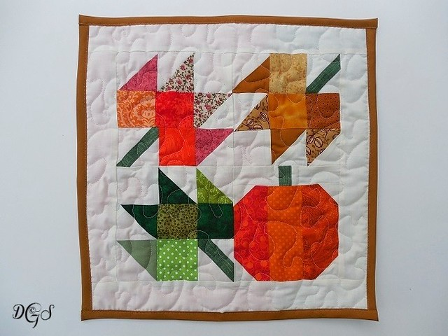 AUTUMN JUBILEE MINI QUILT OCT 2016