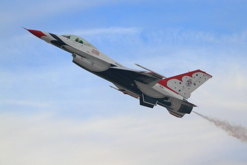 IMG_5344 Thunderbirds, Nellis AFB Air Show