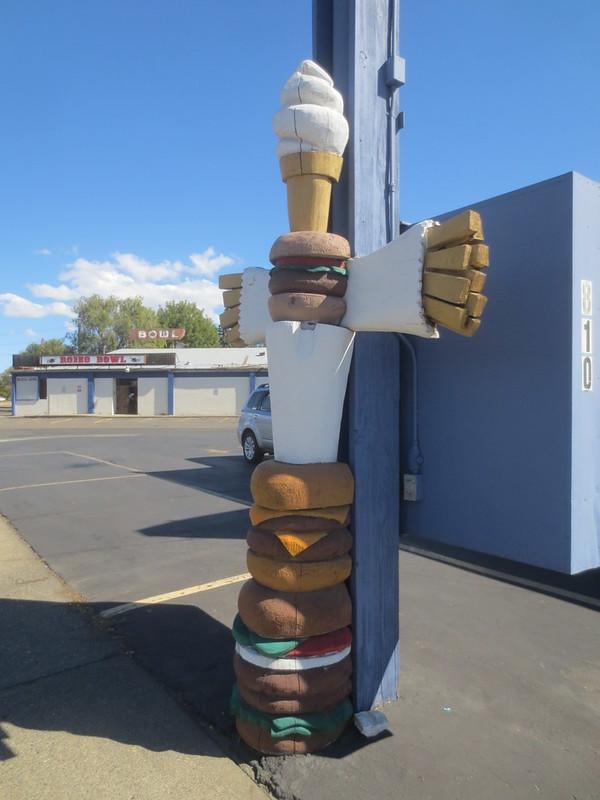 U-Tote 'Em Totem Pole
