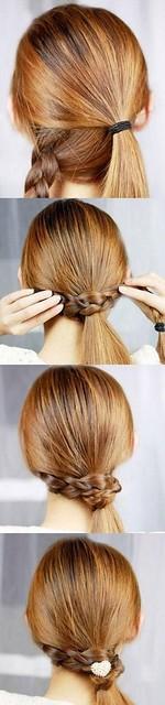 Tết tóc buộc lệch