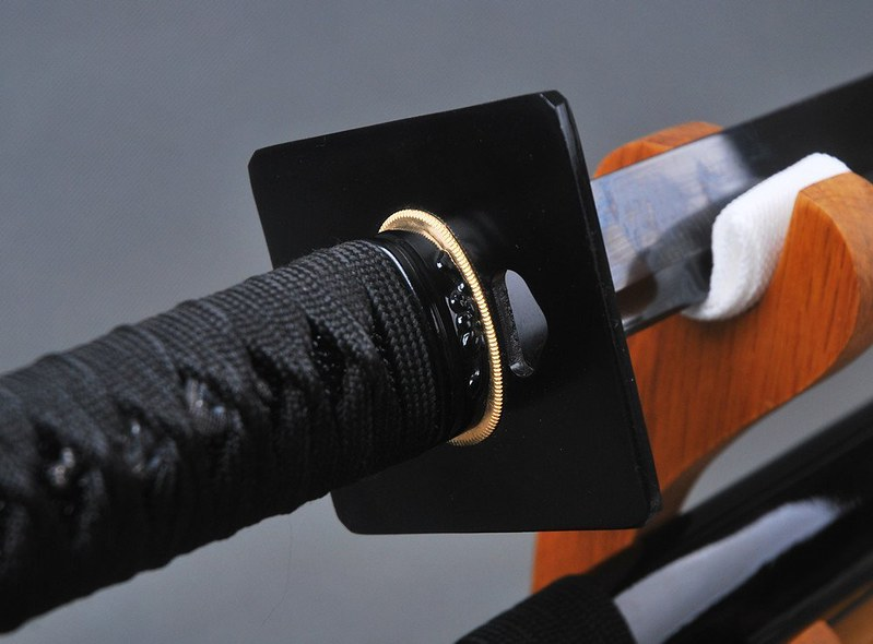 Japanese-samurai-sword-black-blade-tsuba