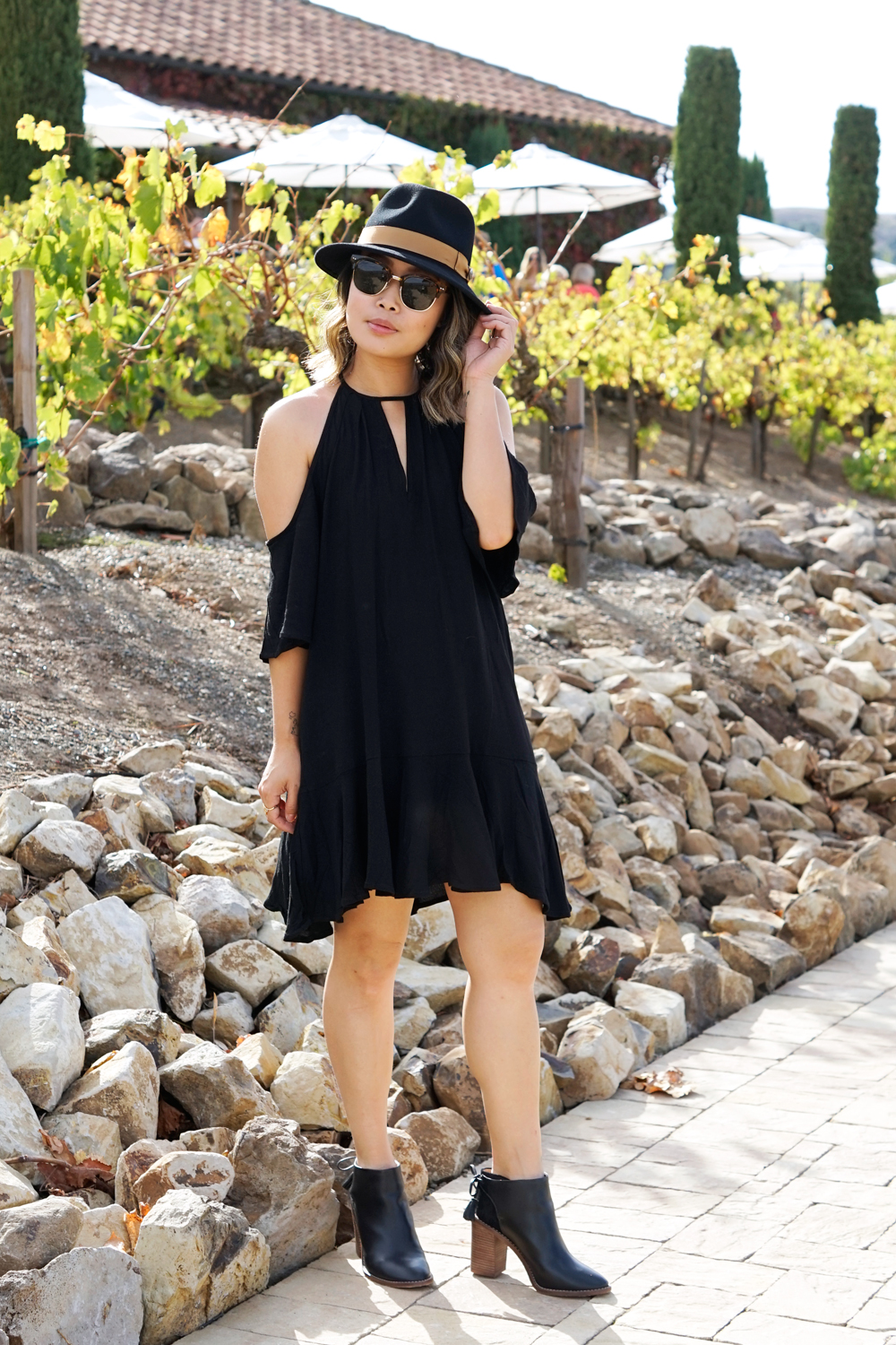 04winery-travel-style-fashion-goorinbros-azalea-madewell