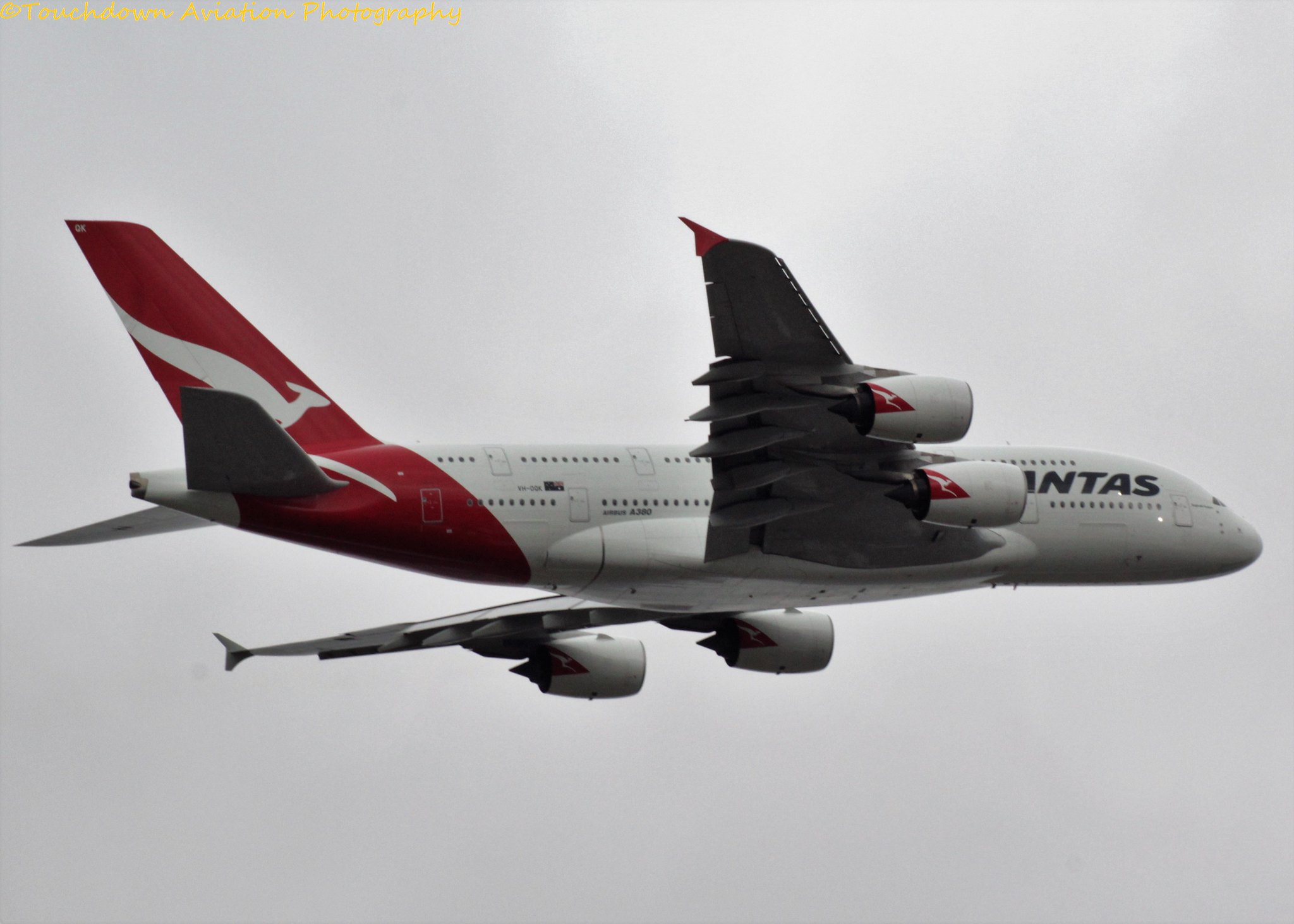 Qantas Airbus A380 VH-OQK 27NOV16