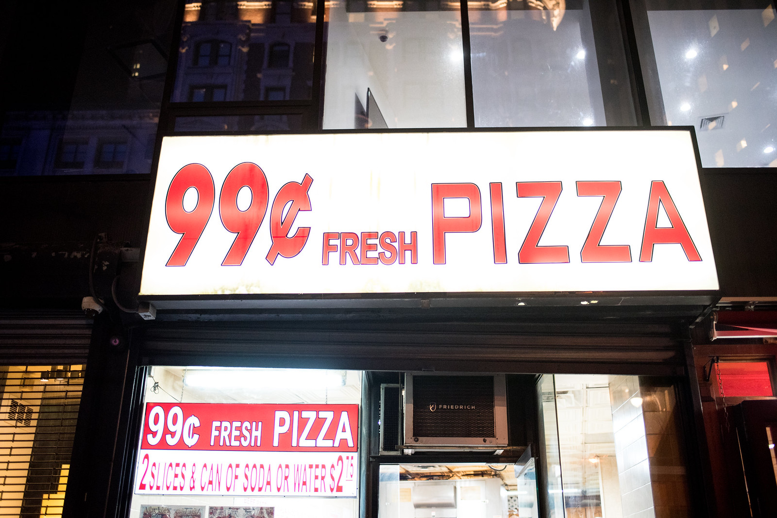 99 cent pizza in NYC on juliettelaura.blogspot.com