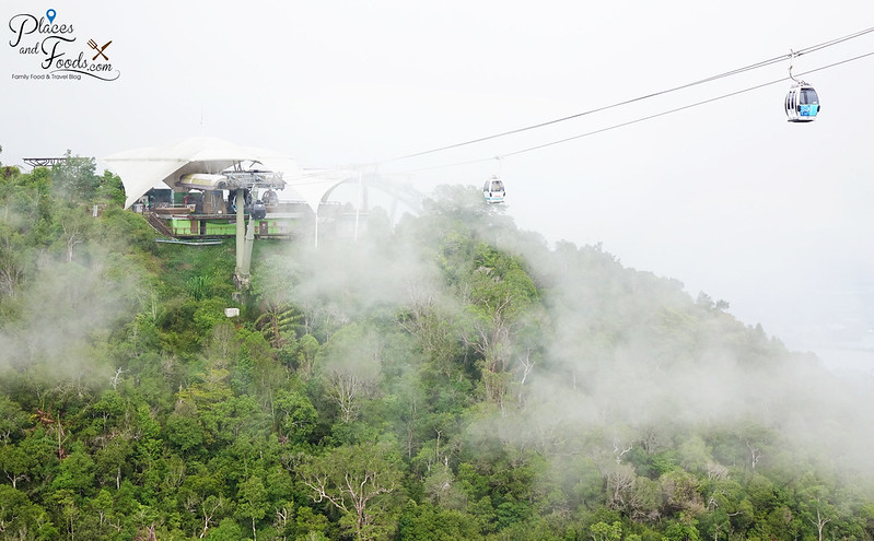 langkawi skypark cable car mist view
