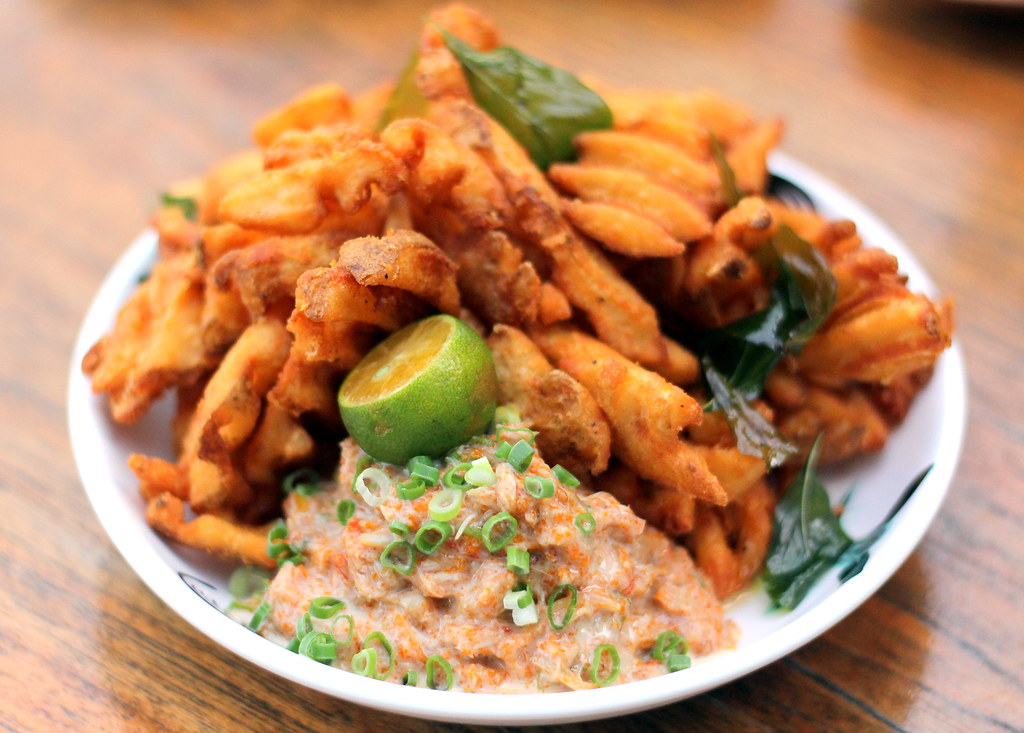 Loof: Chilli Crab Fries