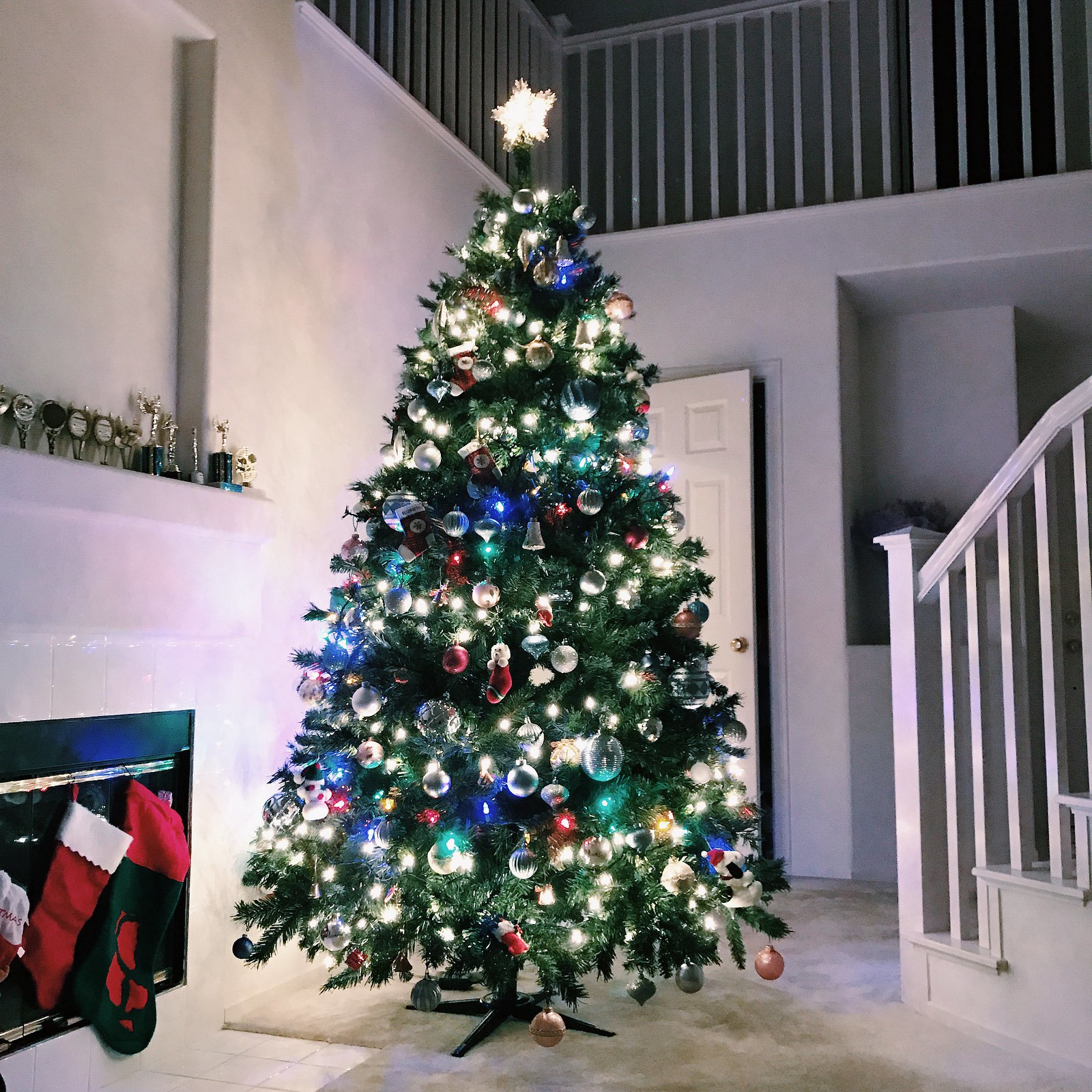 0254-christm-as-christmastree-interiors-decor-interiordecor-lifestyle-hipster-minimal-elizabeeetht