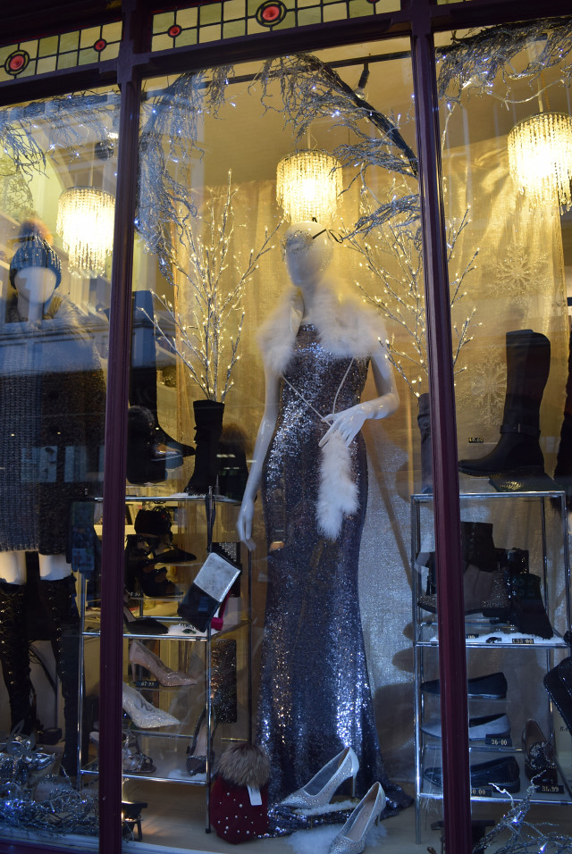 Party Window at Angels, Christmas 2016 | www.rachelphipps.com @rachelphipps