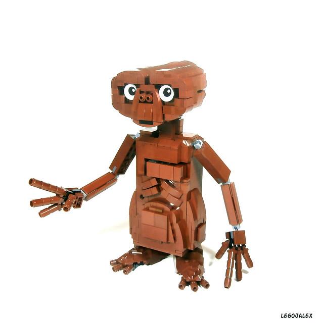 E.T. model in LEGO