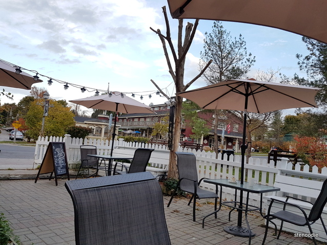 Touhenboku Cafe patio