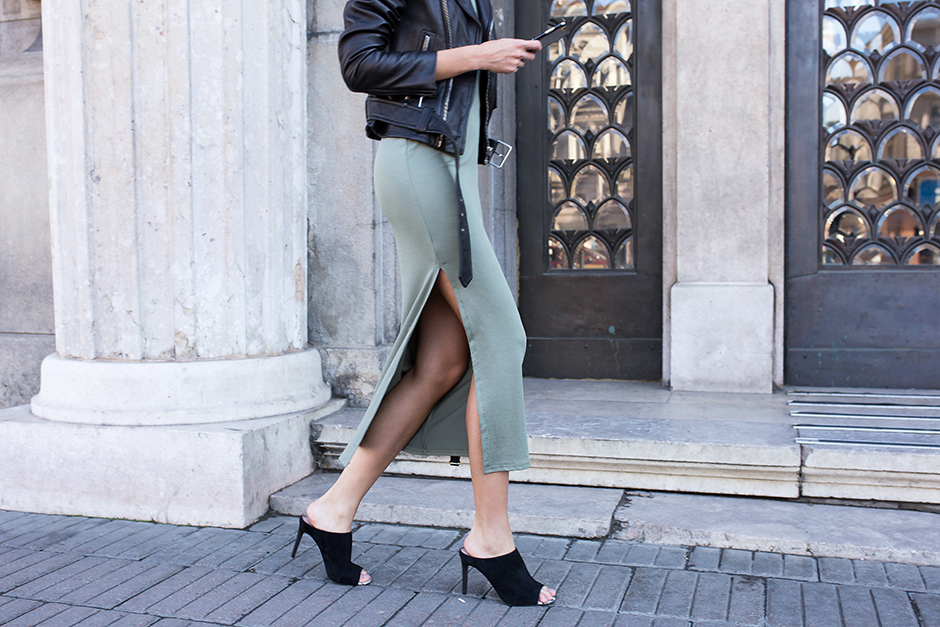 khaki-green-dress-skirt-outfit-street-style