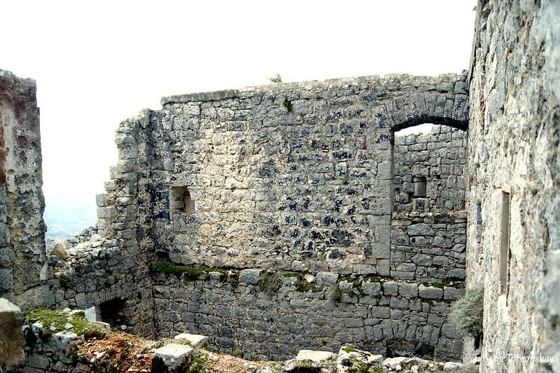 Стены верхнего уровня