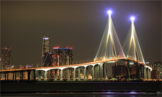 Yeongjong Bridge night view