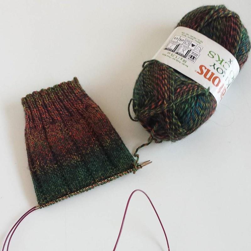 on my needles today... #knittersofinstagram #knittersofig #socktawk #operationsockdrawer #craftastherapy #ggknitworthy2016 #husbandsocks