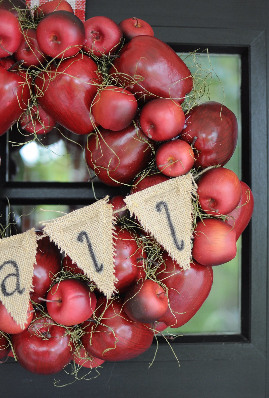 DIY Fall Apple Wreath