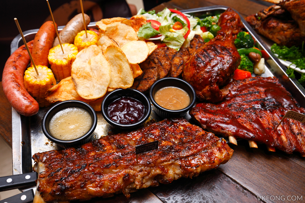 Morganfield's Jolly Christmas Platter
