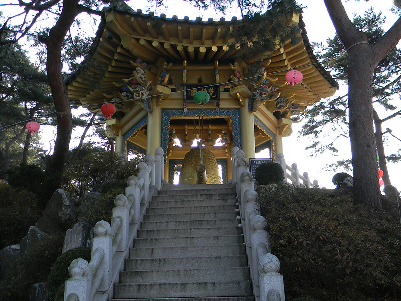 Buddhist temple in Incheon - Bell
