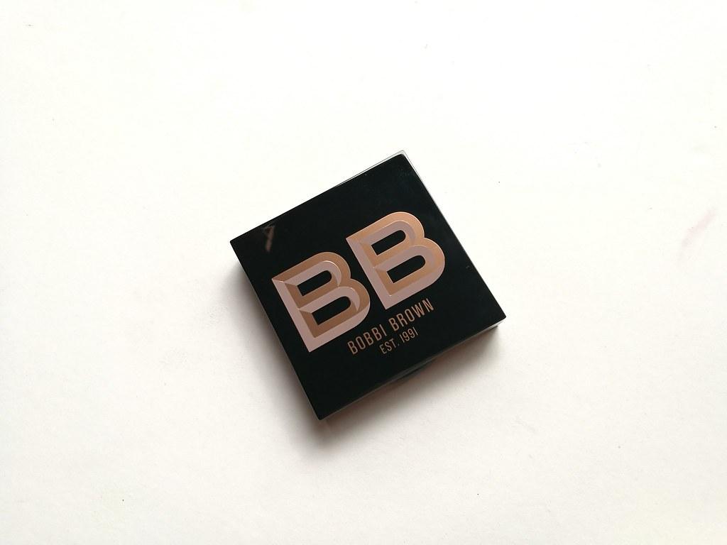 bobbi-brown-highlighting-powder