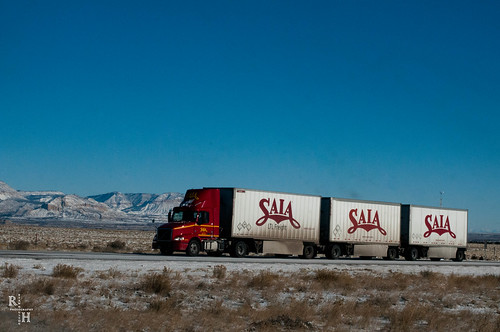 SAIA Truck on I 70 Dec 26 2015-2367