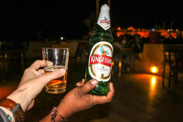 Drinking Indian beer, Jaisalmer, India ジャイサルメール、インドビールで乾杯