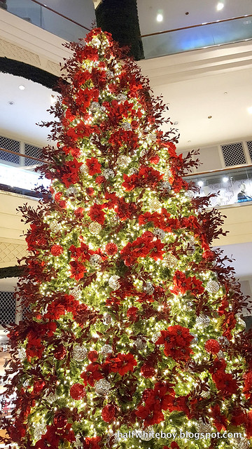 halfwhiteboy powerplant mall christmas decor 2016 04