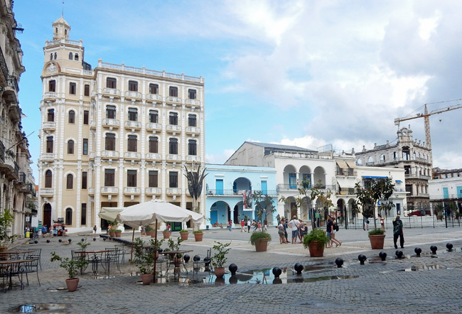 plaza-vieja-cuba-old-havana