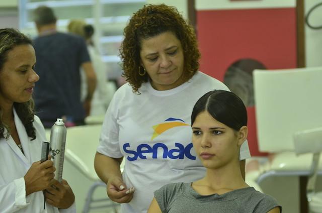 Senac produz modelos para desfile no IESB