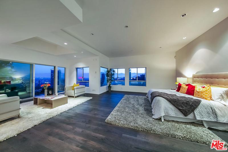 Элитная современная спальня