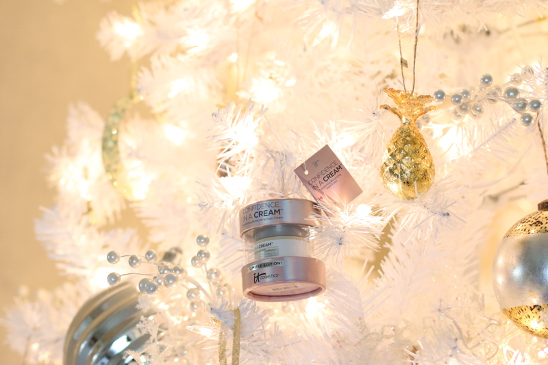 Holiday-gift-guide-it-cosmetics-14