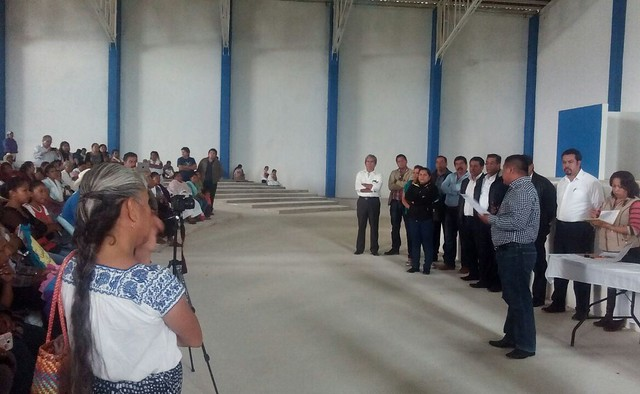 Por violar POET pobladores de Cuetzalan clausuran obras de CFE