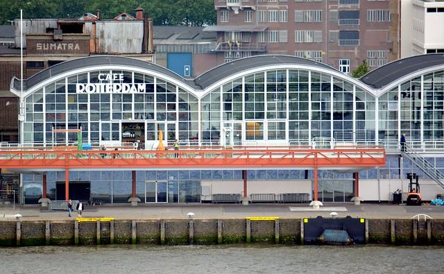 Aankomsthal HAL - cafe Rotterdam