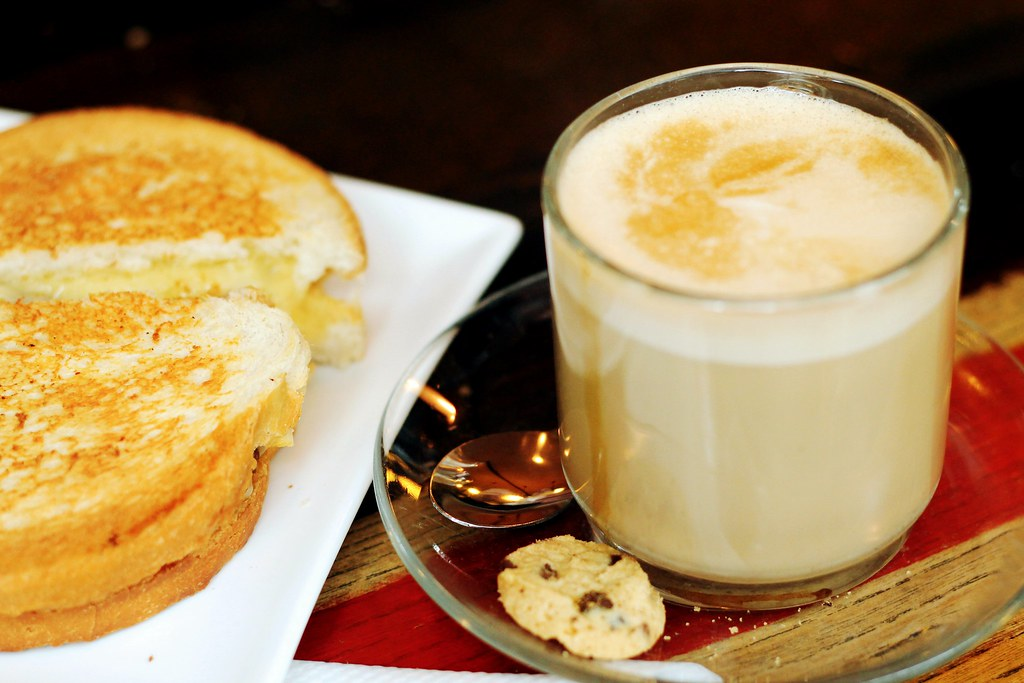 Drawing Dreaming - onde e o que comer em Amsterdão - De Kat in de Wijngaert, tosti, koffee verkeerd