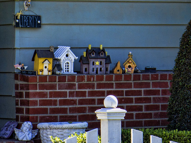 Yard art houses