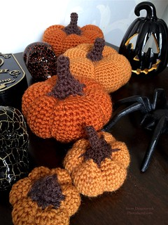 20161106-5 Crochet Pumpkins