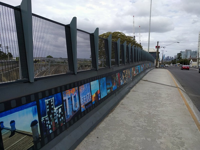 Footscray: Hopkins Street bridge