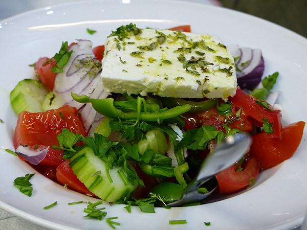 la salade grecque du paradosiako